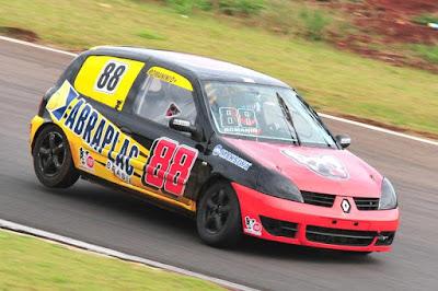 """Marco """"Tico"""" Romanini, um dos adeptos do Renault Clio, foi o pole position da etapa passada em Cascavel"""