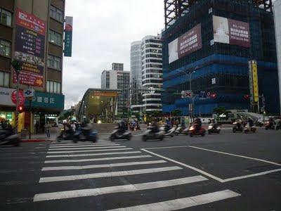 地下鉄行天宮駅付近