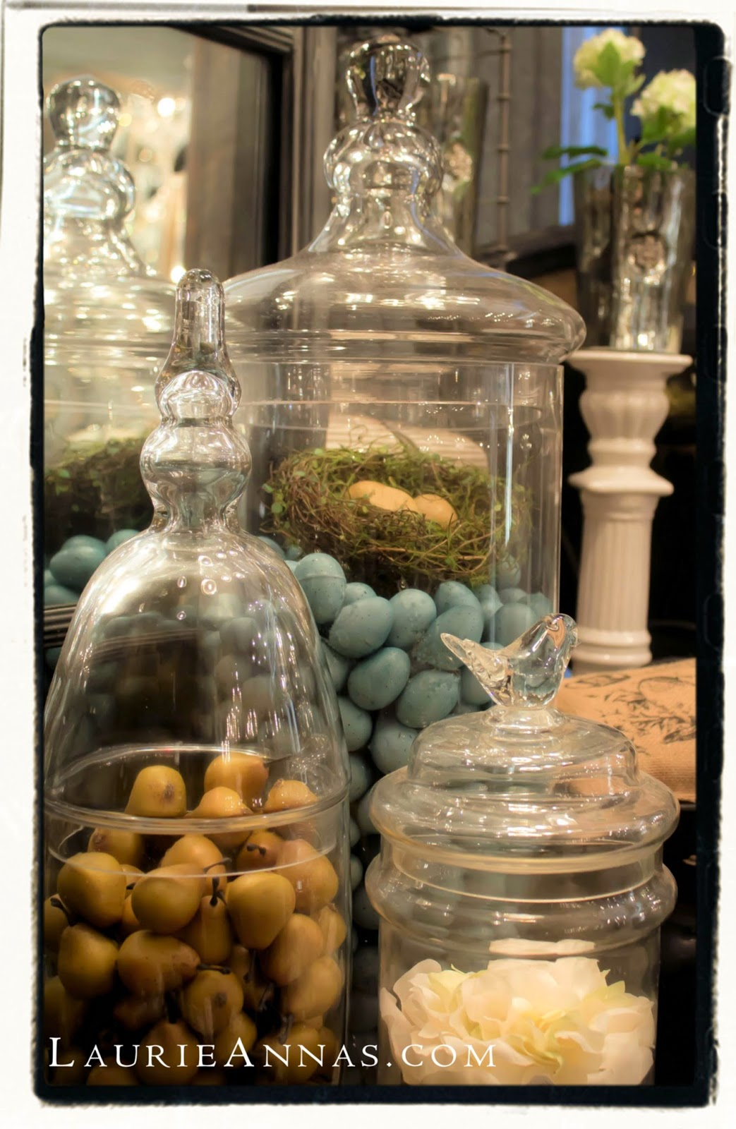 laurieanna 39 s vintage home decorating with cloches and glass jars. Black Bedroom Furniture Sets. Home Design Ideas
