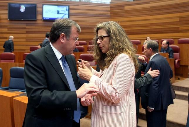 Ana Muñoz de la Peña en las Cortes regionales