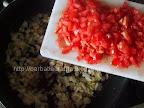 Tocanita de rosii cu cartofi preparare reteta