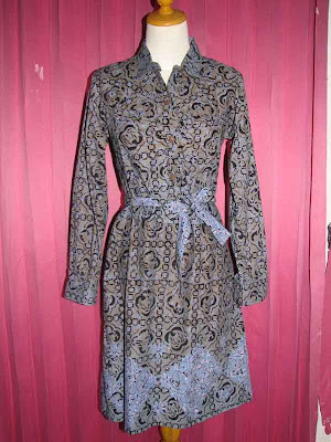 Kumpulan Model Baju Batik Kantor Modern Pria Wanita