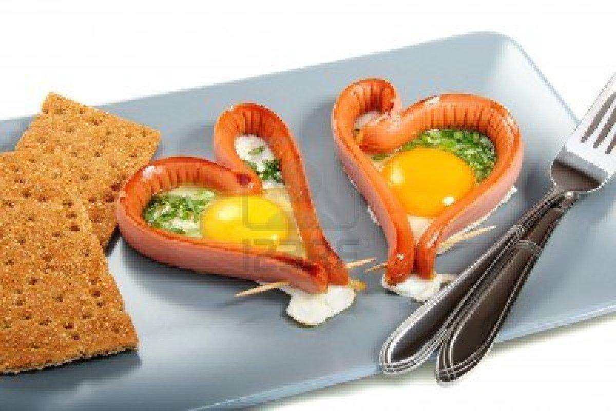 Recicla inventa recetas con salchichas cocina creativa - Preparar desayuno romantico ...