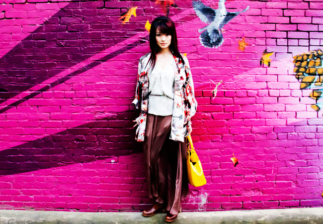 Obakki Silk Floral Kimono, Silk Floral Kimono, Obakki Oatmeal colour shirt, Obakki brown silk maxi skirt, brown shiftted boots, Gucci purse, Grafitti wall