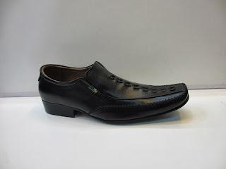 Sepatu Kickers Pantofel kantor