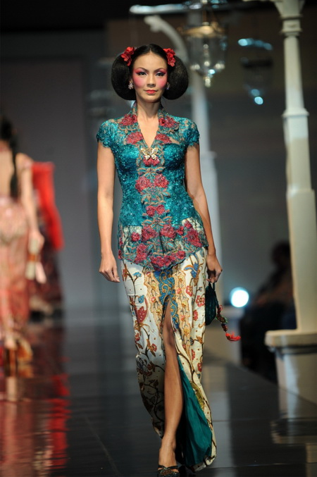 Model Kebaya Anne Avantie