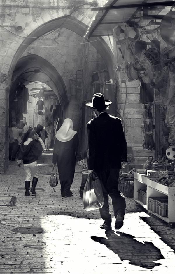 orang-islam-dan-yahudi-di-baitul-maqdis-palestin