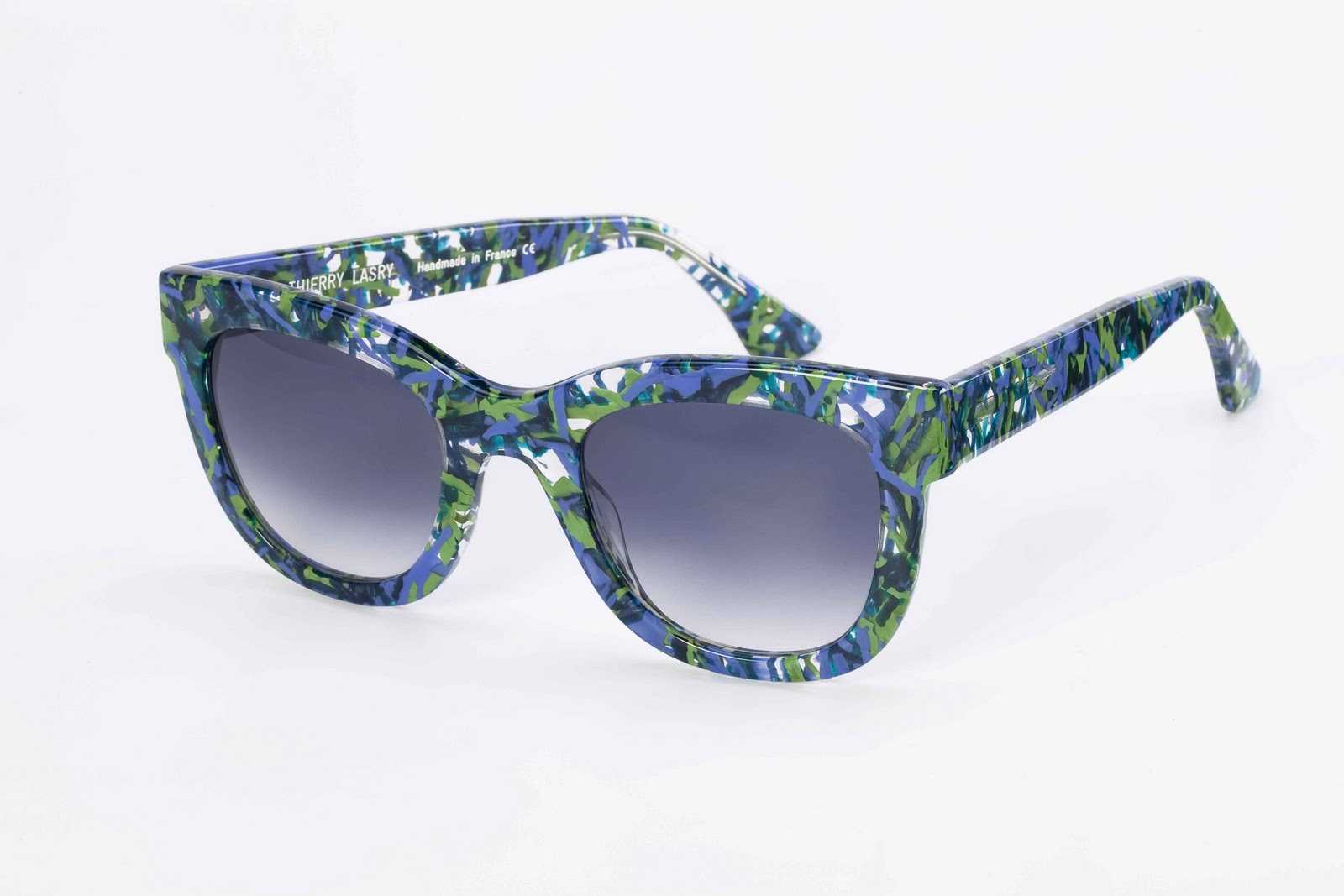 http://3.bp.blogspot.com/-QEVdRdqtlTE/TukecAJXqoI/AAAAAAAAAXE/S7St3BRxgwk/s1600/Eva+Mendes+et+Ryan+Gosling%252C+les+lunettes+3.jpg