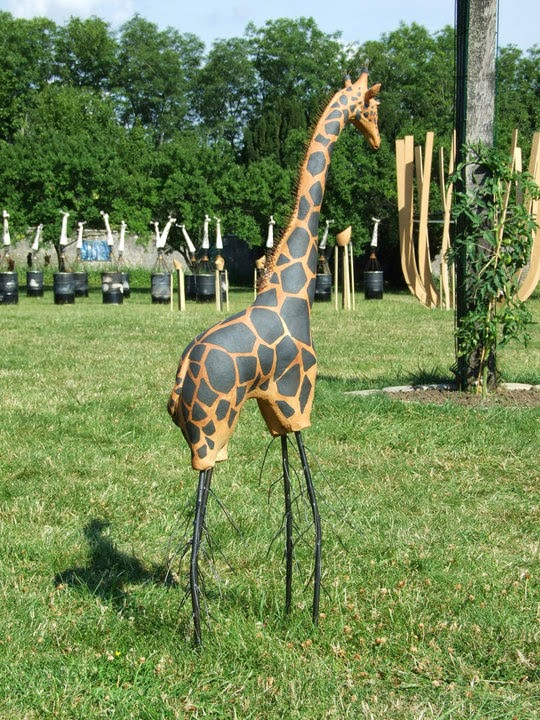 El ment terre germination d 39 une girafe for Prix d une girafe a poncer