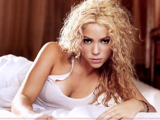 Shakira Latest Wallpaper-2011