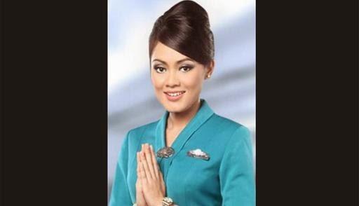 Inanike Agusta Pramugari Garuda Indonesia yang Salat di Pesawat