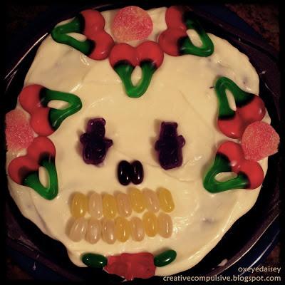 simple sugar skull cake