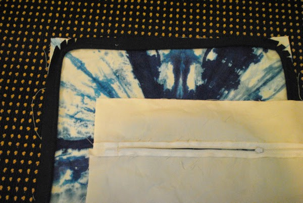 Tutorial - how to sew a pillow with custom welting