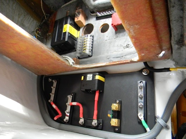 006 ericson 25, oystercatcher electrical, bilge pump switches, part 2 whale supersub smart 650 wiring diagram at pacquiaovsvargaslive.co