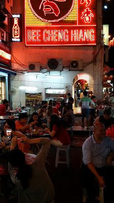 Restaurante callejero del Barrio Chino en Kuala Lumpur