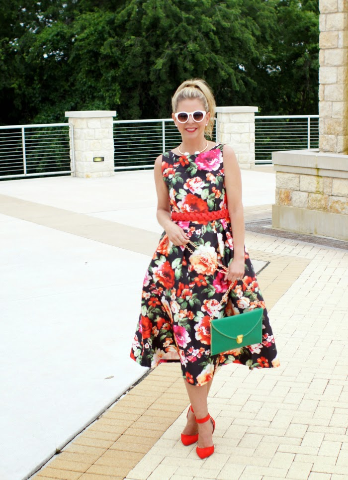 Retro Rose Dress from Chicwish