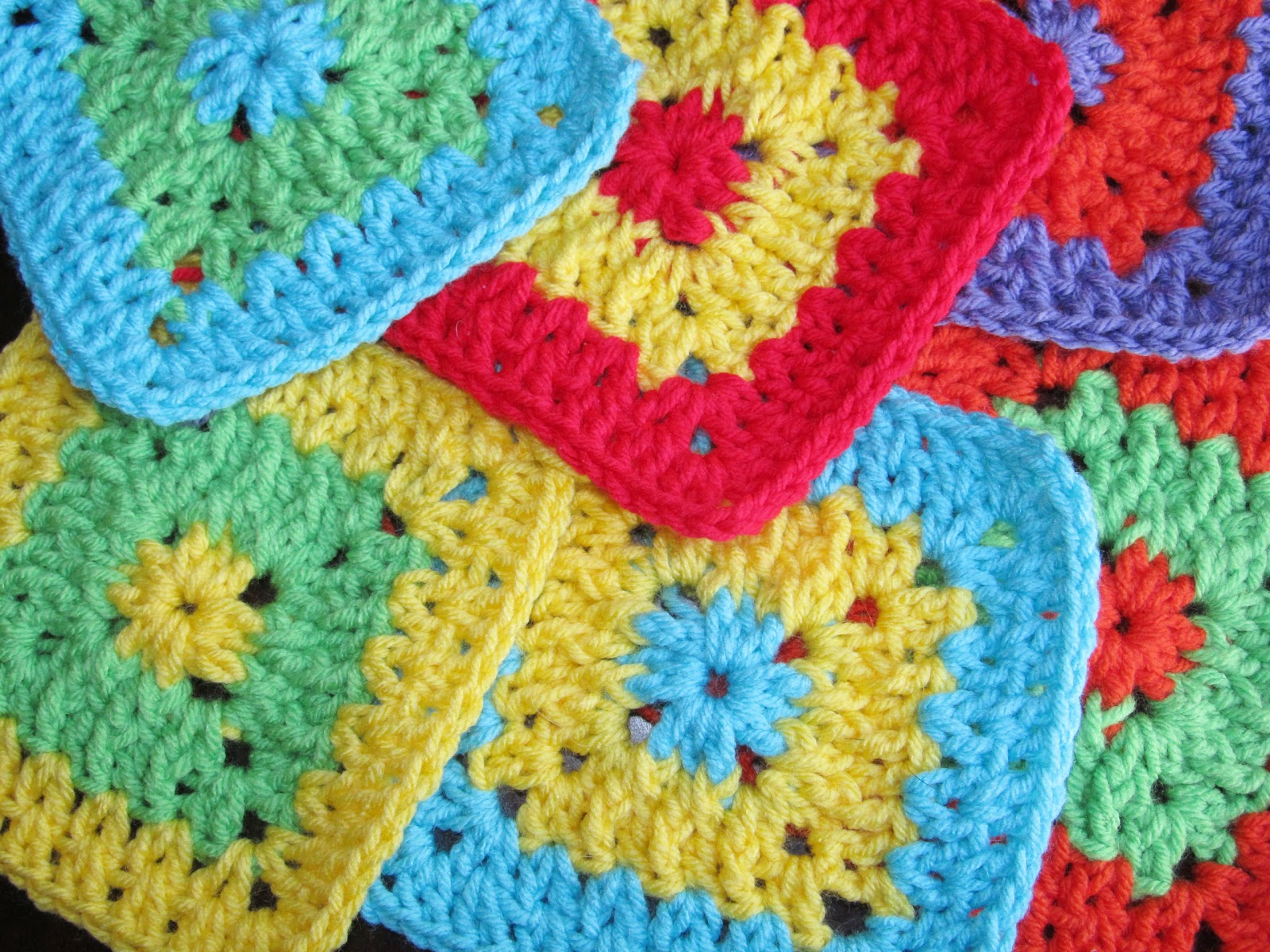 Free Crochet Easy Granny Square Patterns : SmoothFox Crochet and Knit: SmoothFox Cool 2B Square ...