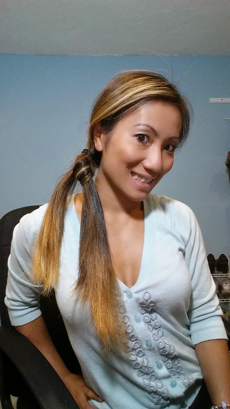 Living busy with janine 2 minute hair for work side hair knot i love hairstyles that are quick easy and you can do yourself in a front of a mirror this is a really chic cute hairstyle you can wear anytime solutioingenieria Image collections