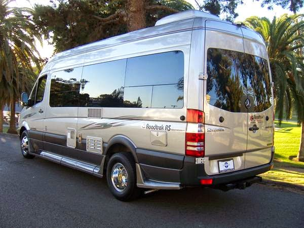Used rvs 2013 mercedes benz motorhome for sale for sale by for Mercedes benz motor home