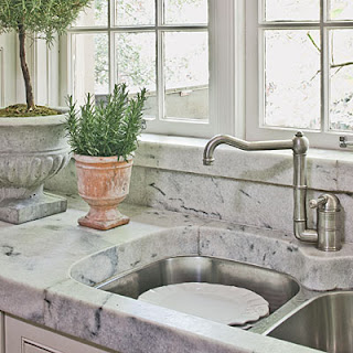 Petit chateau kelly 39 s kitchen for 2 thick granite