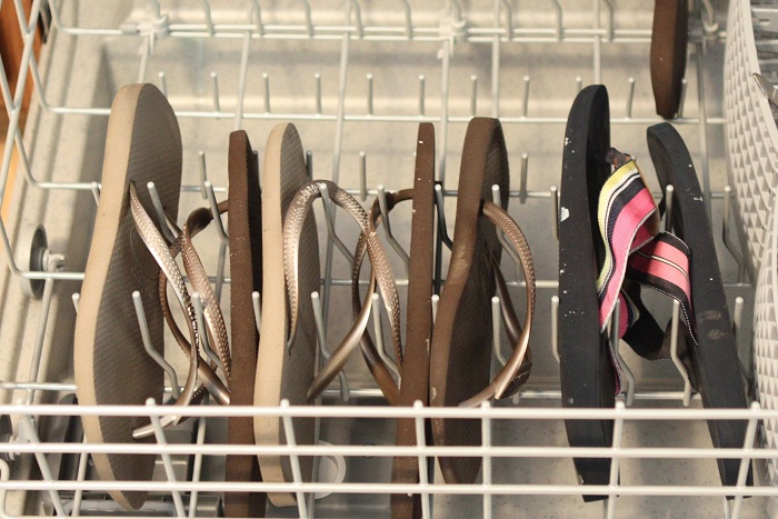 how to clean dishwasher that hasnt been washed
