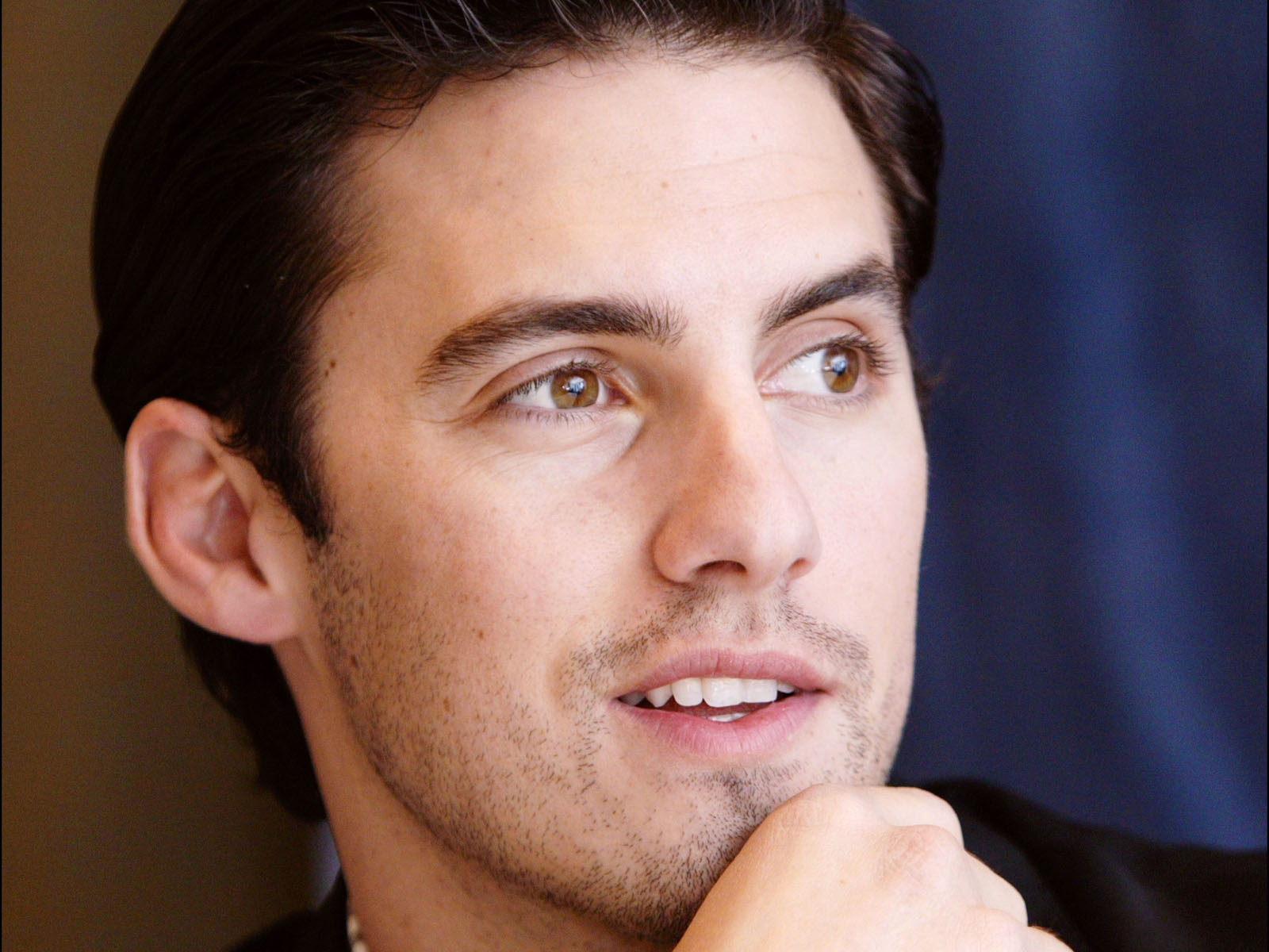 Milo Ventimiglia Photo Gallery1   Tv Series Posters and Cast