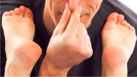 Tips Ampuh Menghilangkan Bau Kaki