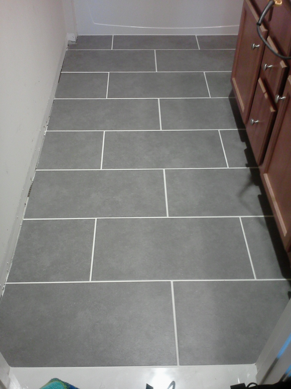 Lowes Bathroom Floor Tiles : Brilliant Brown Lowes Bathroom Floor ...