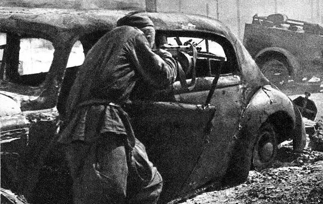 Brutal street fighting in Vitebsk in 1944