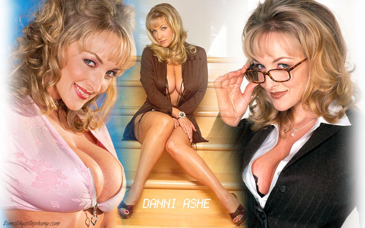 http://3.bp.blogspot.com/-QGM1cotA13Y/T1nK744IraI/AAAAAAAAHQ0/_2fOsO-LrN4/s1600/Danni-Ashe-Feet-223881.jpg