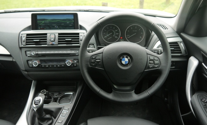 BMW 116d Efficient Dynamics cockpit