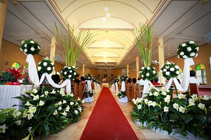 Living on a budget simple church wedding decoration for Church wedding decorations