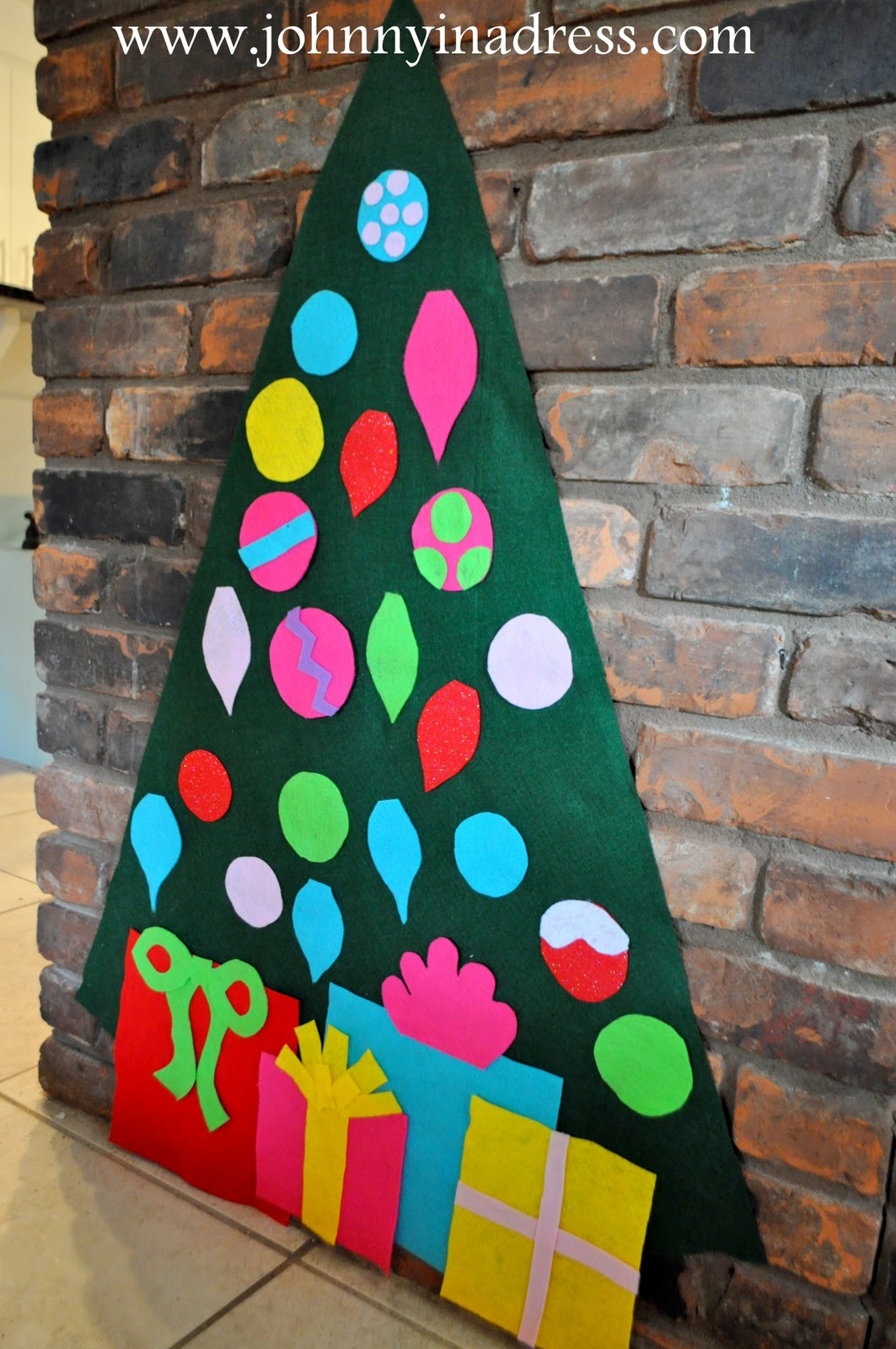 Johnny In A Dress: Play Felt Tree & Ornaments