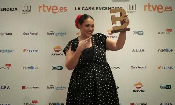 Maria de prettyandole premio bitácora como mejor blog de moda y belleza