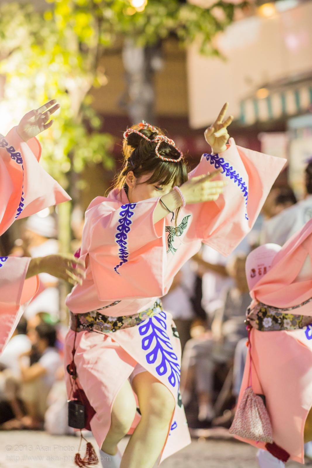 三鷹阿波踊り、りずむ連の女性の男踊り