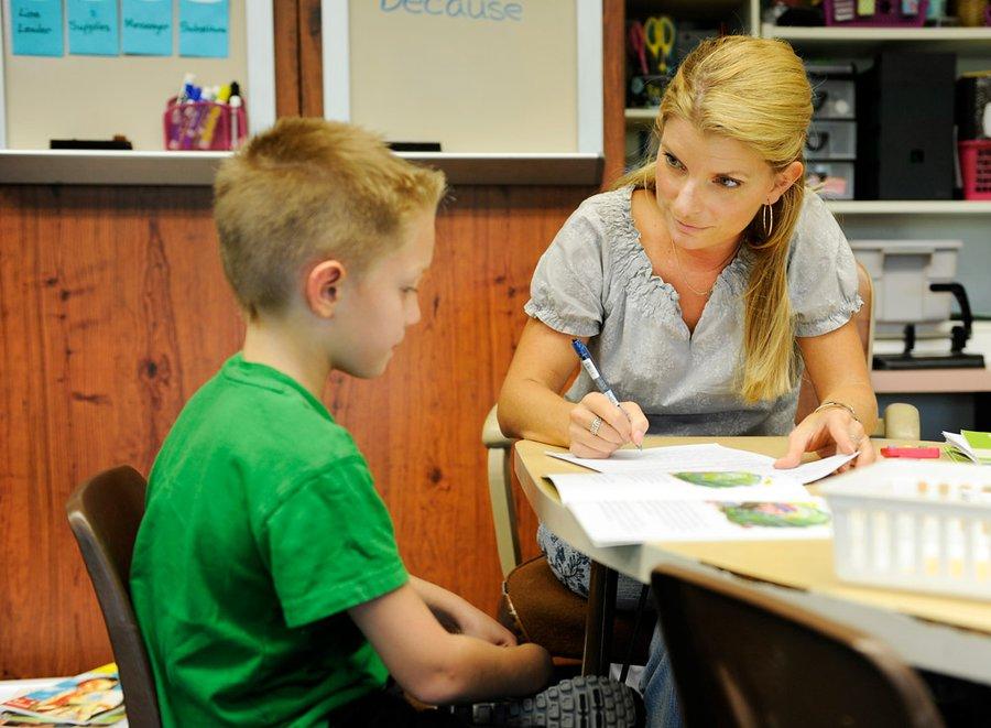 Sekolah Khusus Bagi Orang Tua - Special School for Parents