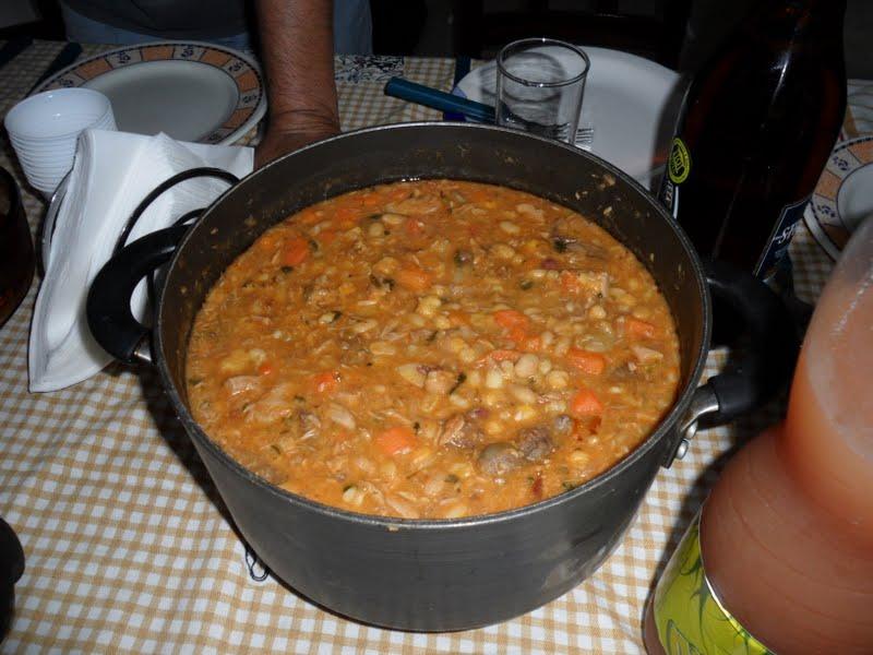 ingredientes cachupa cachupa rica local food is cachupa cachupa prato ...