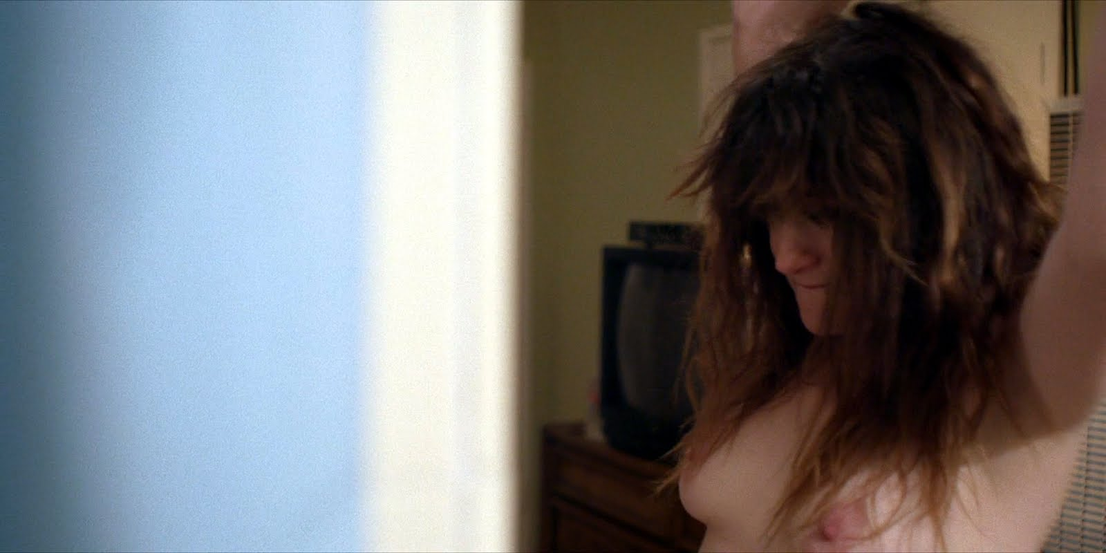 Kathryn Hahn titties in I Love Dick [S1E7]