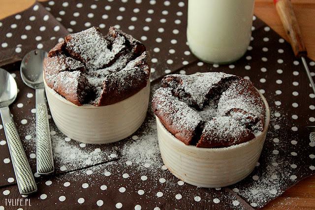 suflet czekoladowy, czekolada, ramekiny, chocolate souffle, deser czekoladowy,