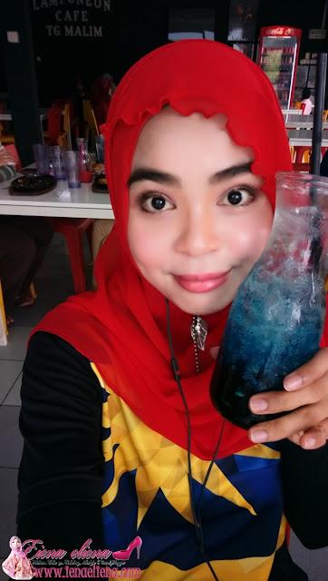LampuNeon Cafe Tanjung Malim