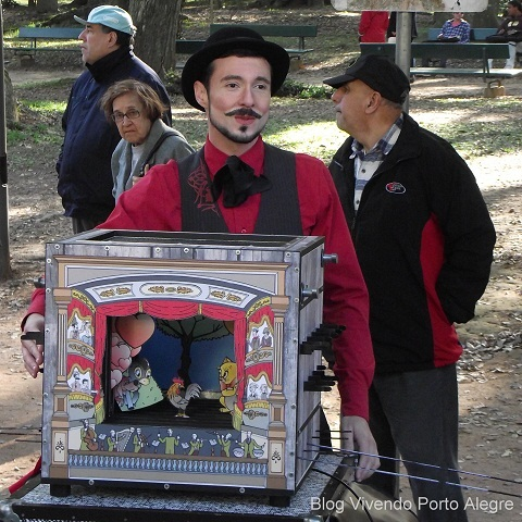 Street theater in Porto Alegre, RS, Brazil
