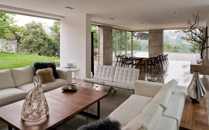 Living room in Modern dream home by Paz Arquitectura