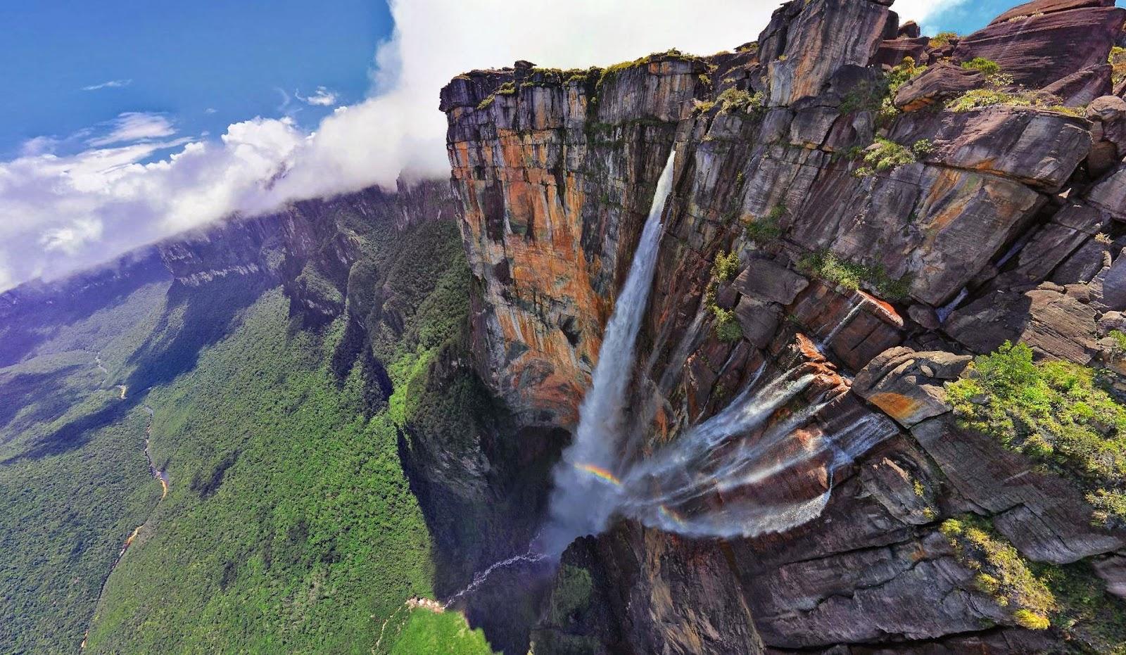 Air terjun tertinggi di dunia, Angel Fall, Venezuela.
