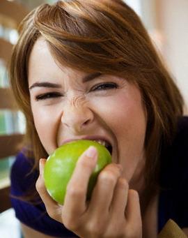Mengatasi Sembelit dan Gangguan Sendi dengan Apel