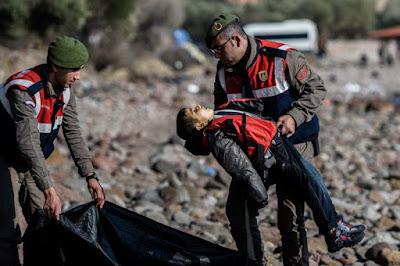 """""""غرق 40 شخص ,مقتل 40لاجئا ,غرق اطفال سوريا"""""""