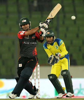 Ahmed Shezad is on fire in a match in BPL