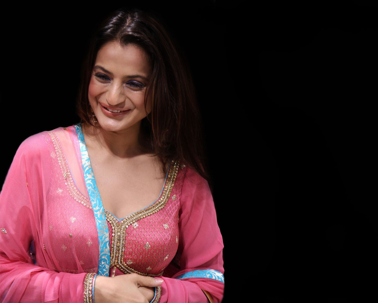 Bollywood Actress Amisha Pate A 2 Z Bollywood Actress Wallpapers Ii Archive Page 20