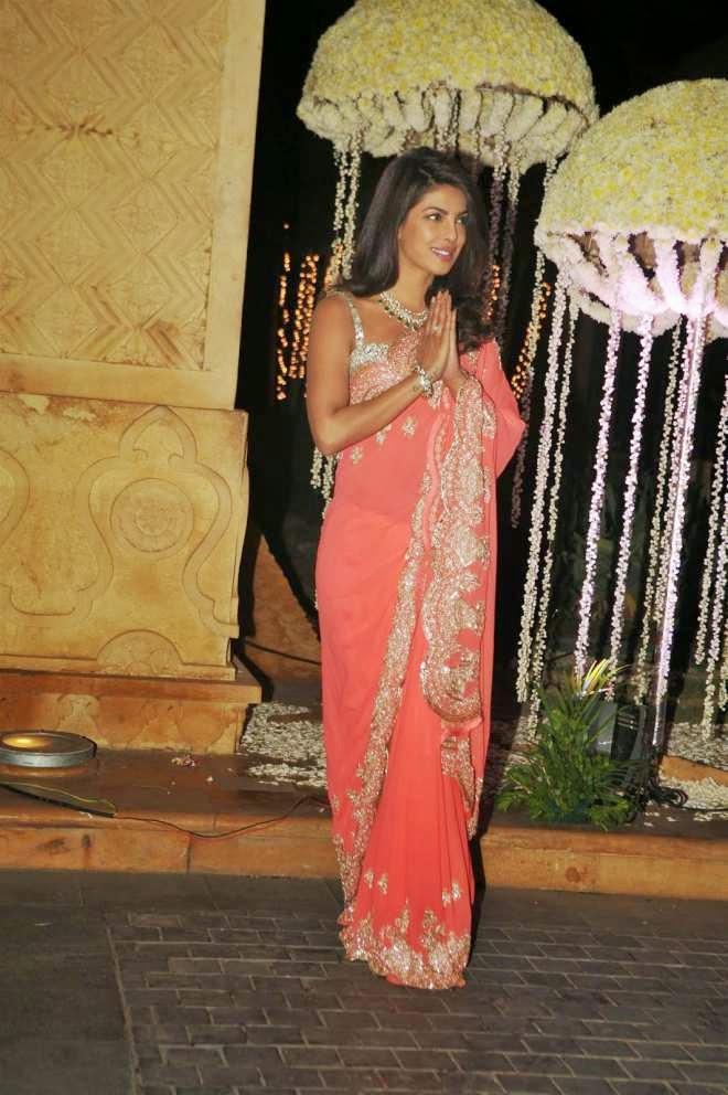 priyanka chopra in saree at manish malhotra niece riddhi malhotra wedding reception photo
