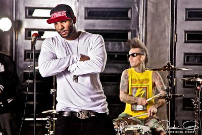 Imagen de The Game y Travis Barker en el rodaje del video de Can A Drummer Get Some ? del nuevo disco de Travis Barker llamado Give the drummer some