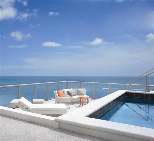 Beautiful Swimming Pools Around the World: Beach House Swimming Pool